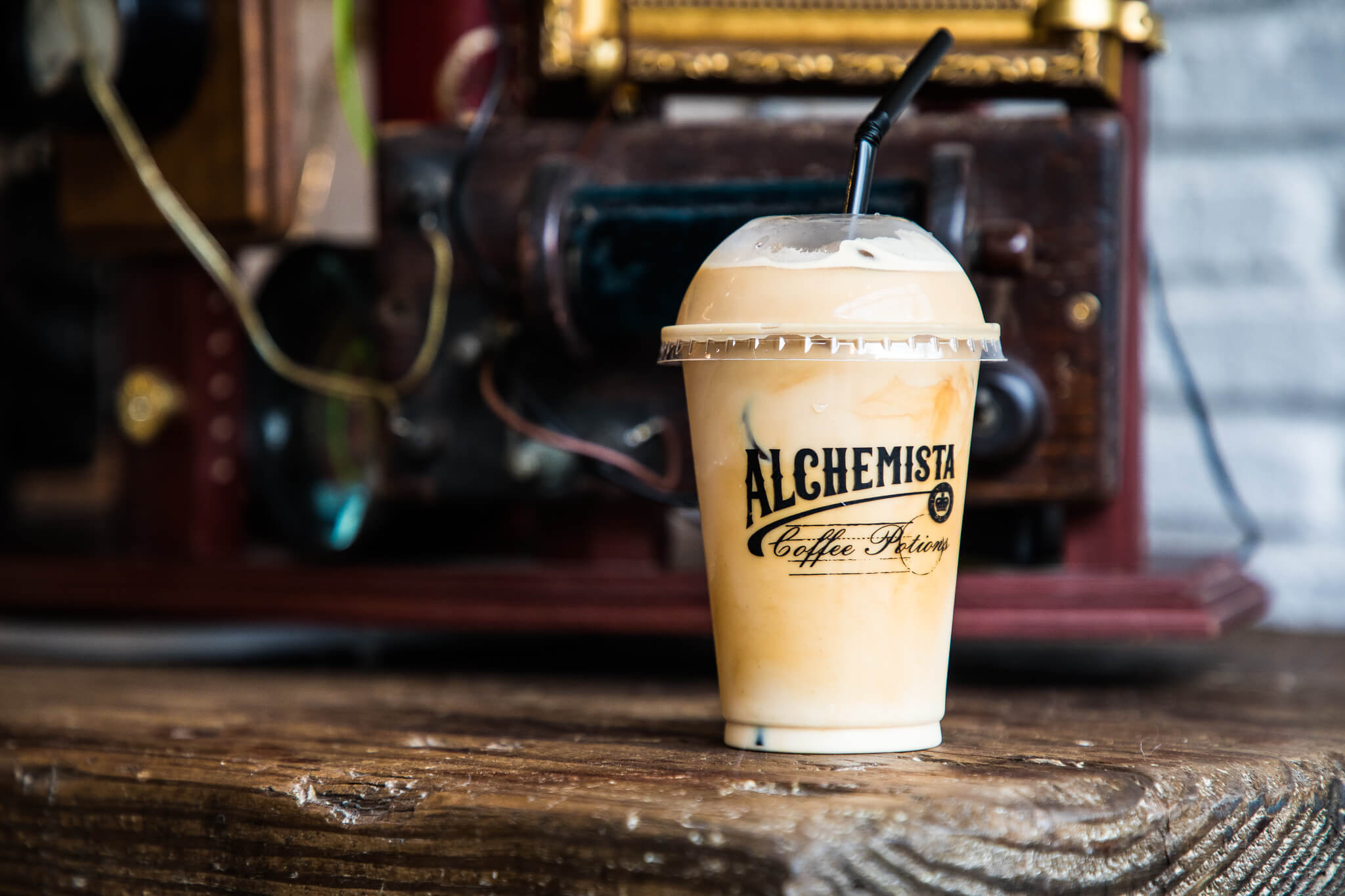 Alchemista coffee cup take-out